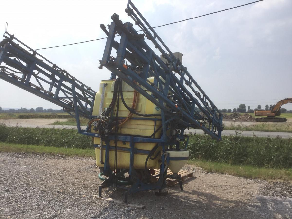 Delvano spuitmachine 1200L /24m